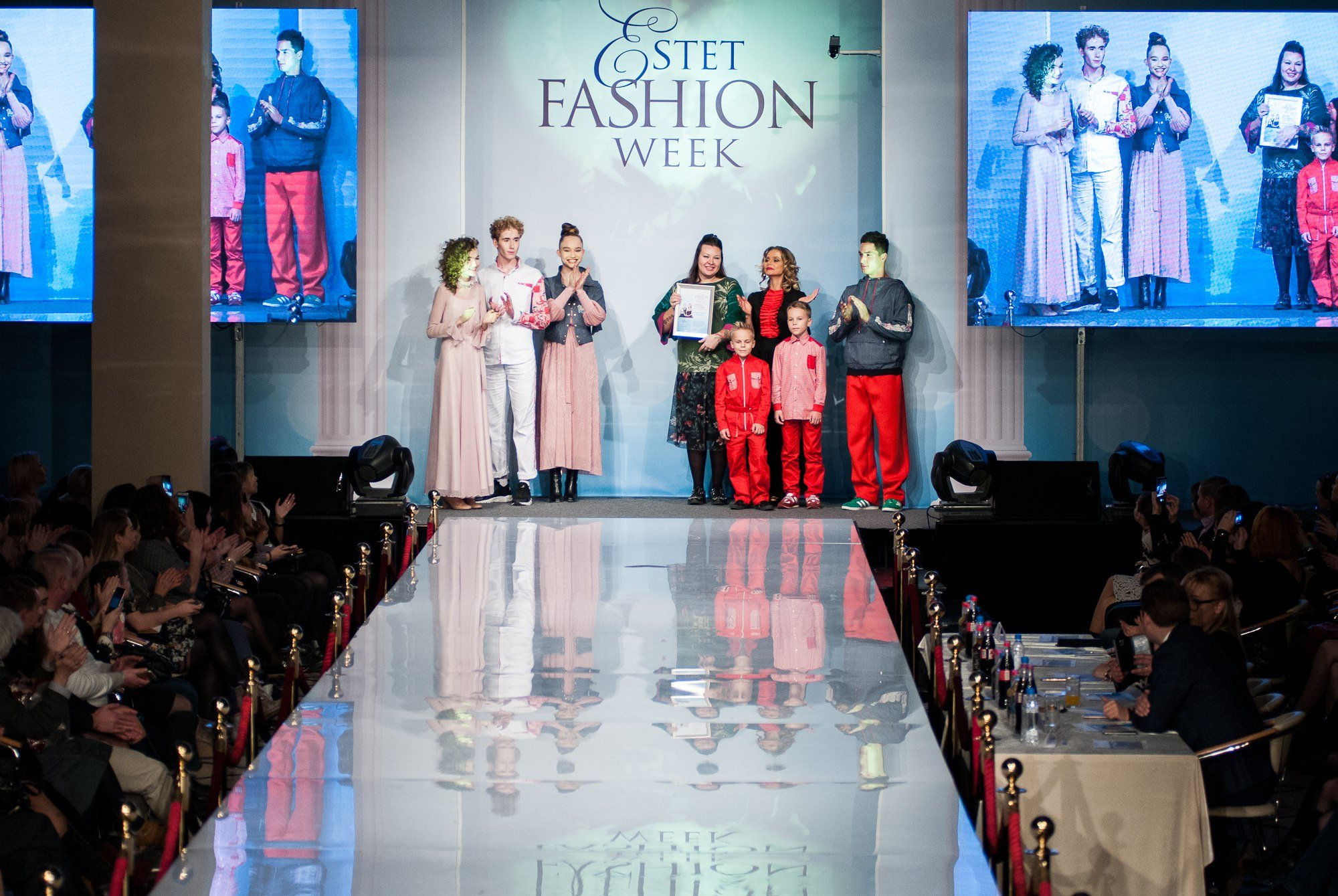 Показ Fashion Book by Alena Stepina на Estet Fashion Week