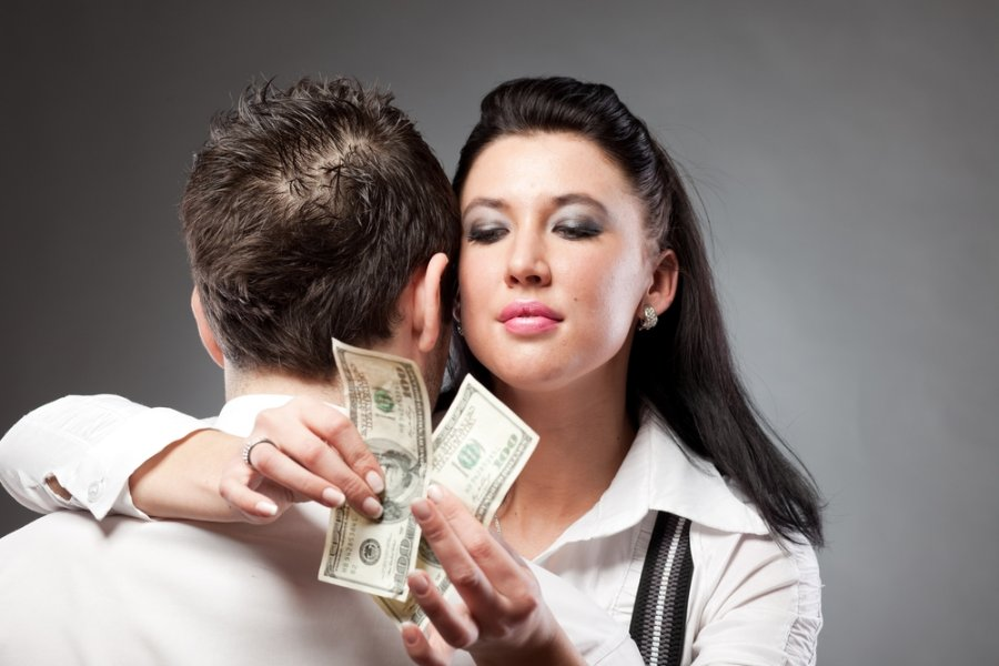 Классика обмана: клубы знакомств
