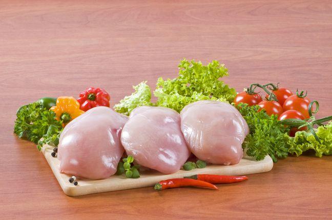 В чем состоит вред куриного мяса с белыми прожилками?