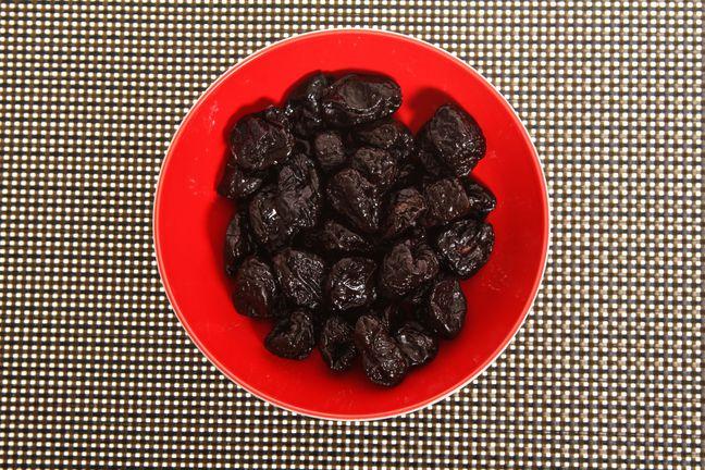 Четыре главных мифа о свойствах чернослива