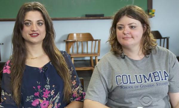Сестер-погодков разлучили в младенчестве. Но они внезапно нашли друг друга через 30 лет