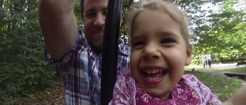 Пара решила усыновить ребенка. Но когда будущий отец присмотрелся к роженице, он понял, что уже видел ее раньше