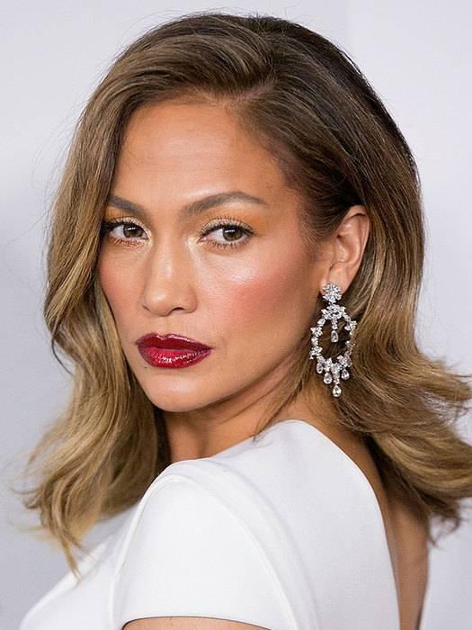 5 оттенков, на которых должен строиться макияж брюнетки: выбор визажистов