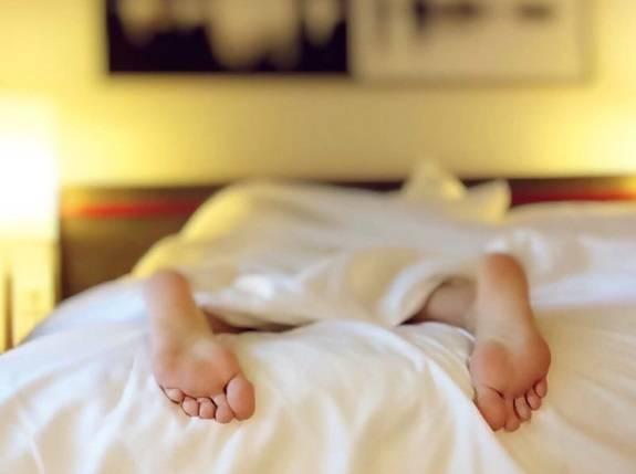 Вот во сколько вам нужно лечь спать, чтобы без мучений проснуться в 7 утра