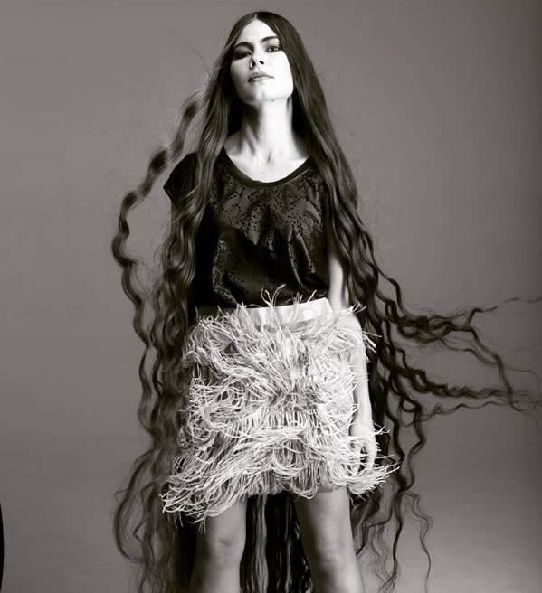Россиянка, вдохновлённая Рапунцель, не стригла свои волосы 20 лет