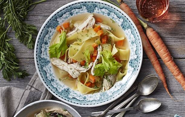 Вот это суп! 5 вкусных вариантов на основе обычного куриного бульона