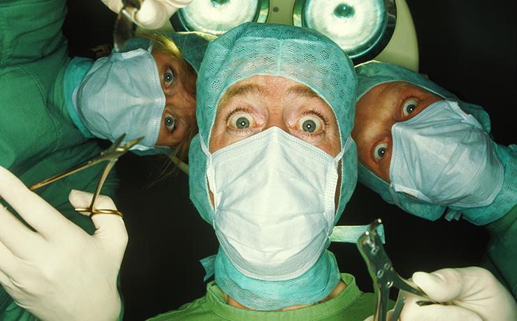Распознайте шарлатана: 9 причин бежать прочь от пластического хирурга