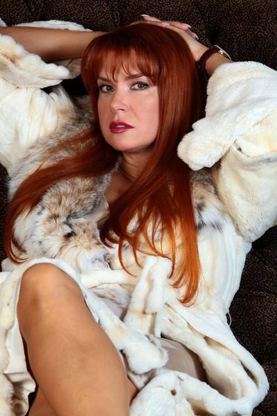 8 звездных мужчин у ног красавицы. Роковая женщина Вера Сотникова