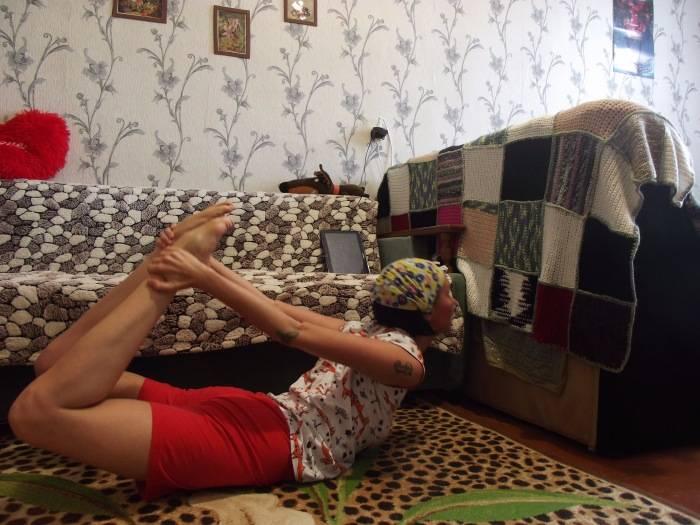Спасаемся от дискомфорта: 6 простых упражнений, которые избавят от вздутия живота в считанные минуты