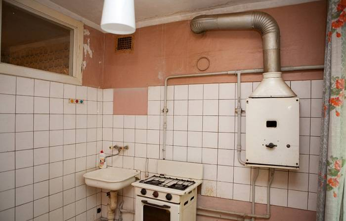 Для чего в -хрущевках- делали окошко между кухней и ванной комнатой