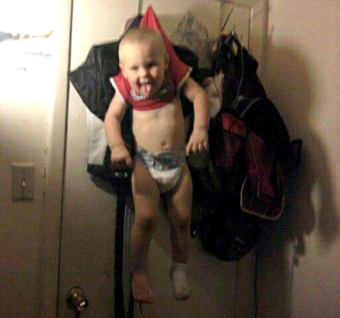 18 уморительных фотографий, доказывающих, что детей нельзя оставлять одних