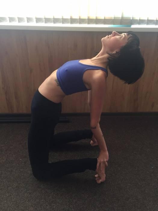 Йога для красоты: 5 упражнений для подтянутого бюста