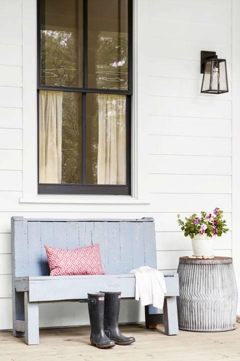 Чем украсить крыльцо и веранду: 13 ленивых идей на лето