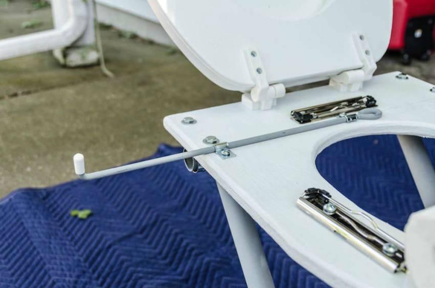 Портативный туалет для дачи или кемпинга: комфорт своими руками