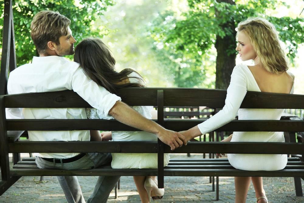 9 способов разоблачить измену партнера
