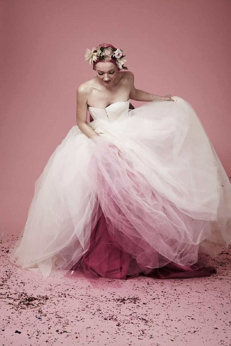 20 нетрадиционных свадебных платьев с эффектом омбре. №4 — просто волшебное!