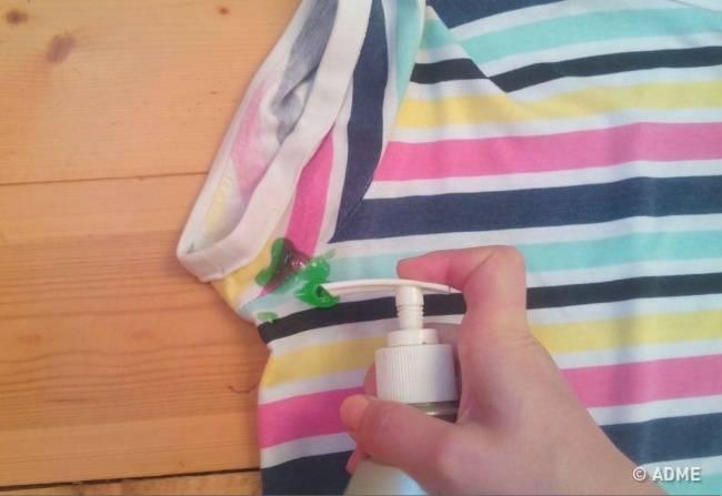 7хитростей, как убрать следы дезодоранта содежды