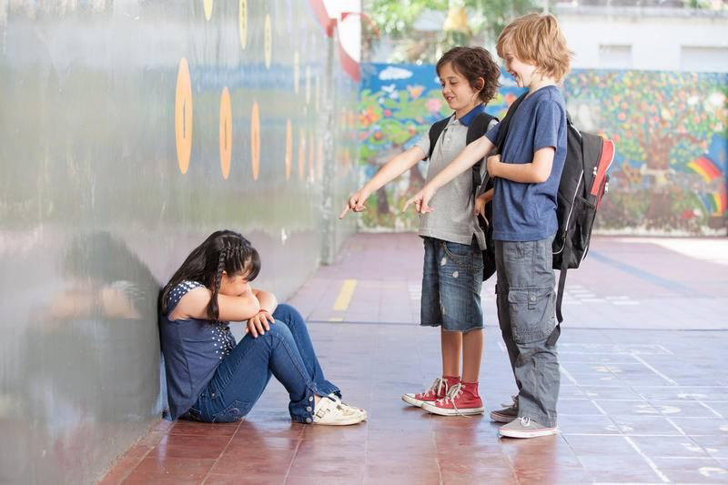 10 молчаливых признаков того, что над вашим ребенком издеваются в школе