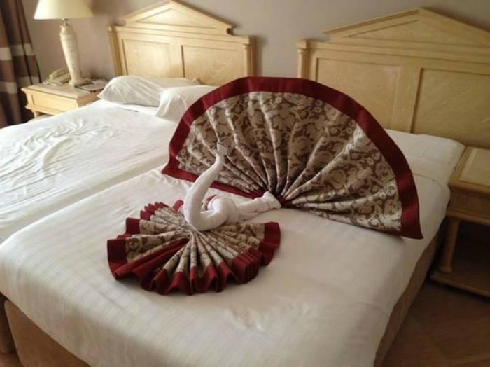 16 забавных оригами из полотенец, которыми изобретательные горничные радуют постояльцев отелей