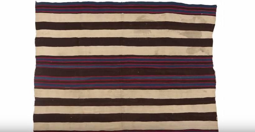 От родных ему досталось одеяло 40-х годов 19 века. Когда он узнал, СКОЛЬКО оно стоит...