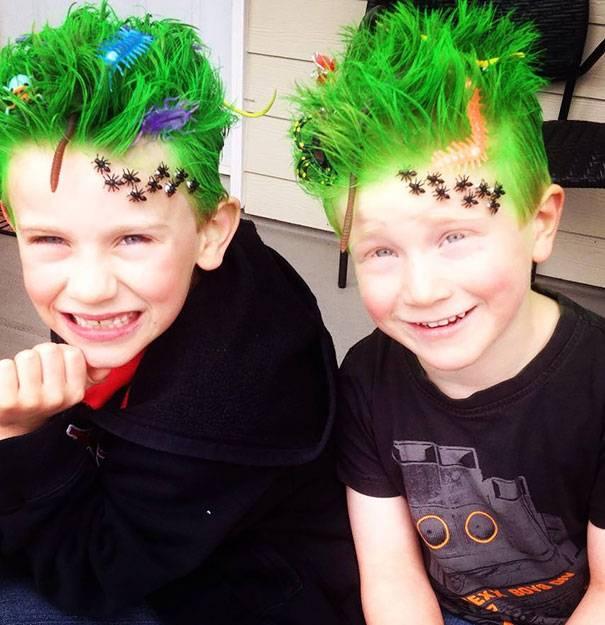Дети, над прическами которых постарался Безумный Шляпник