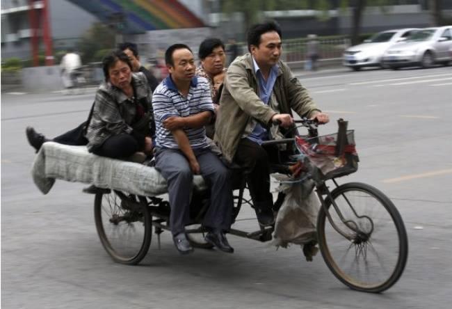 Фотограф Ким Кён-Хун показал, насколько велика пропасть между жизнью богатых ибедных людей вКитае