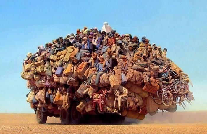 17 снимков перегруженного транспорта, которые заставляют усомниться в реальности происходящего