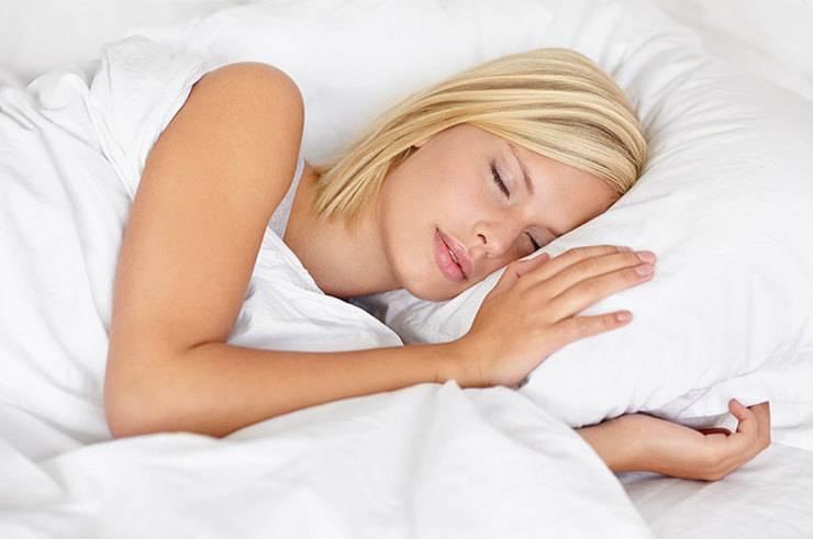 Научиться засыпать за три минуты: есть простой и доступный каждому способ!
