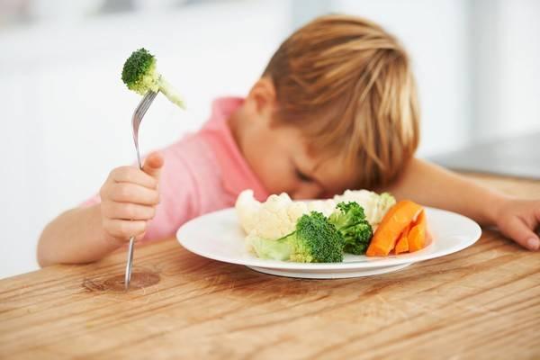 Почему нельзя кормить ребенка насильно