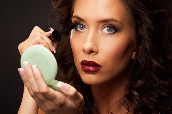 6 ошибок в макияже, которые делают вас старше