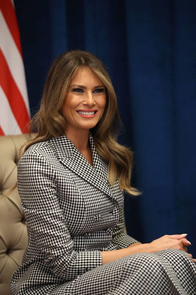 Бронзер, контуринг и smokey eyes: как повторить макияж Меланьи Трамп