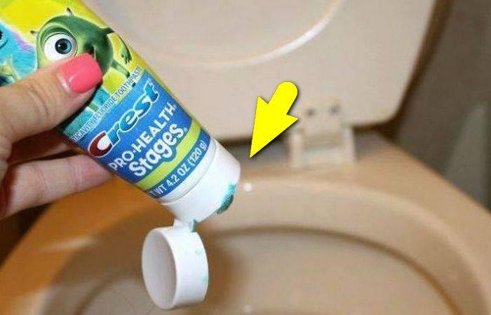 Зачем люди прячут тюбик зубной пасты в бачок унитаза, и Почему не помешает сделать так же
