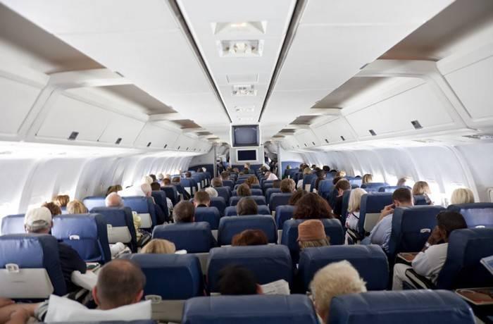 Что значат -треугольники- на борту самолёта, и Почему нужно обязательно выбирать места рядом с ними