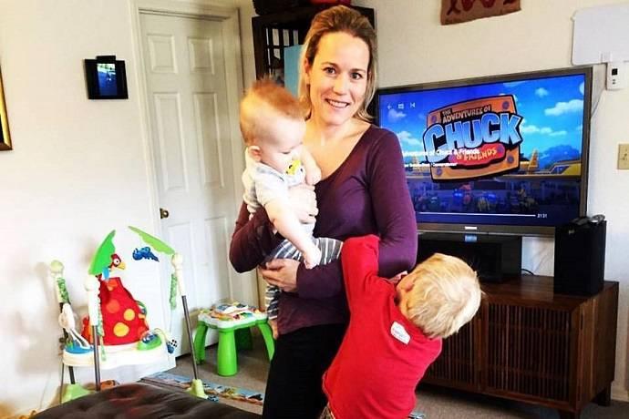 Письмо молодой мамы, в котором она просит мужа помогать ей с детьми, стало хитом Facebook