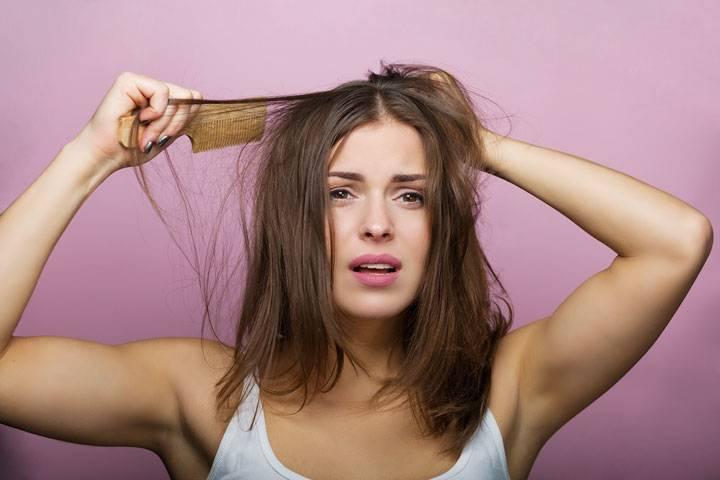 6 вредных привычек, из-за которых волосы быстро становятся жирными