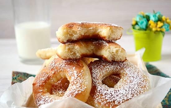Дрожжевые пончики на молоке:  порадуем домашних! Пошаговый авторский фото-рецепт пончиков с дрожжами на молоке – всё в подробностях