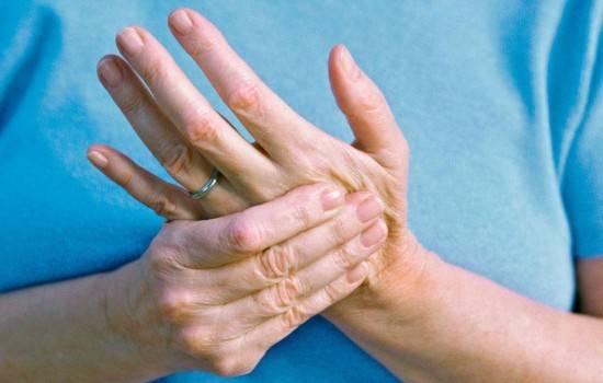 Судорога кисти левой руки причины