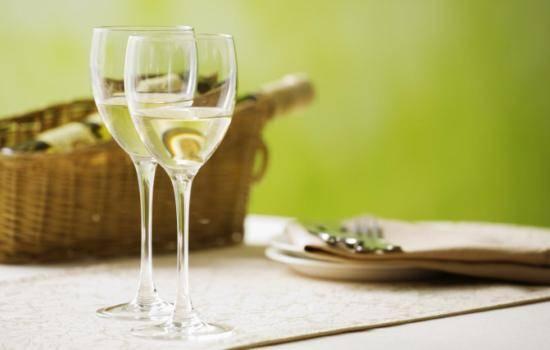 Польза и вред белого вина. Удивительные факты о производстве белого вина, правилах его хранения, пользе и вреде