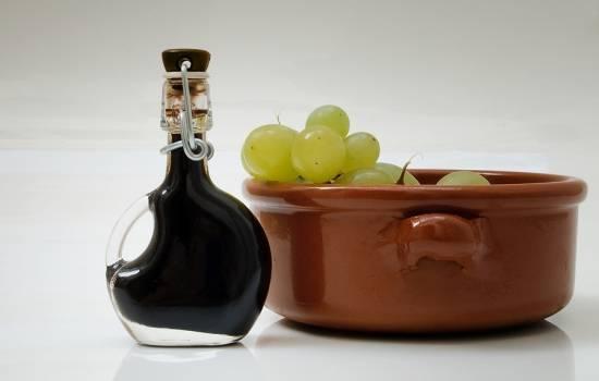 Уксус из винных сортов винограда: польза и вред продукта. Для чего используют виноградный уксус?