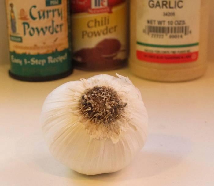 Как избавиться от запаха чеснока без потери его вкуса: Хитрость, подсмотренная на кухне у шеф-повара
