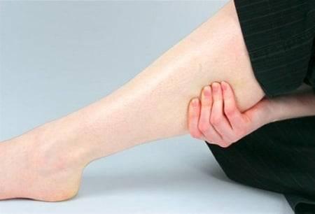 признаки артроза ног