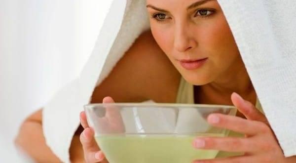 Чем полезны паровые ванны для лица и как их правильно делать