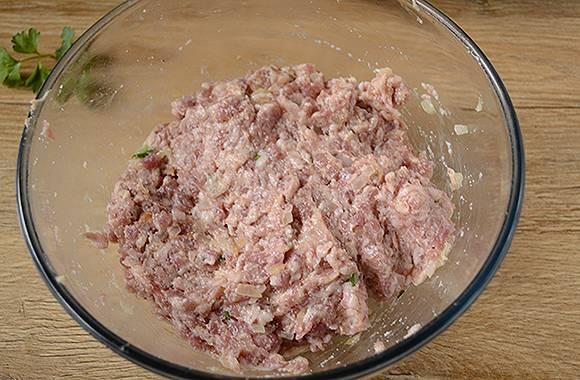 Фрикадельки на сковороде: мясные шарики к макаронам, кашам, овощам и картофельному пюре. Пошаговый фото-рецепт приготовления мясных фрикаделек на сковороде за полчаса