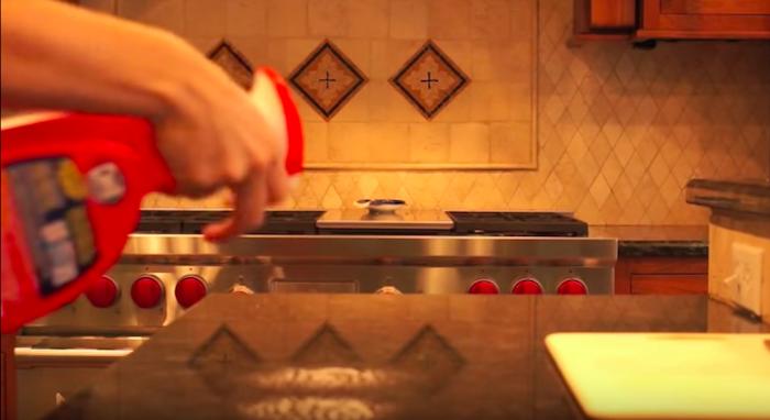 Маленькая хитрость с разделочной доской, которая сделает готовку в 5 раз проще