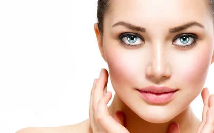 7 аналогов элитной косметики из аптеки, которые помогут сохранить красоту