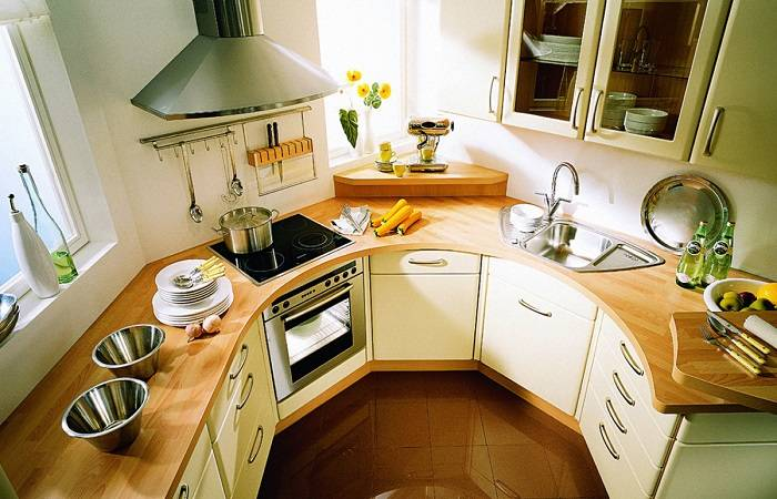 7 проверенных хитростей, которые сделают удобной даже крохотную кухню в «хрущевке»