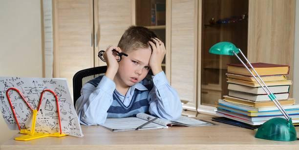 «Никаких каникул, будешь учиться!» Кому нужны занятия летом