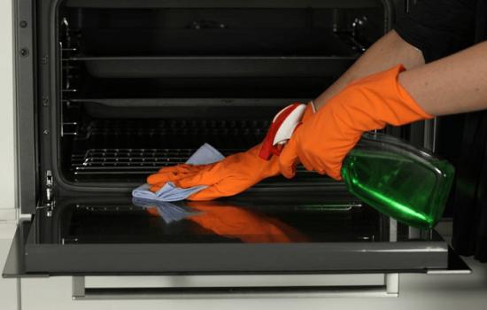 Самые лучшие средства для чистки духовки. Чем очистить плиту от застарелого жира?