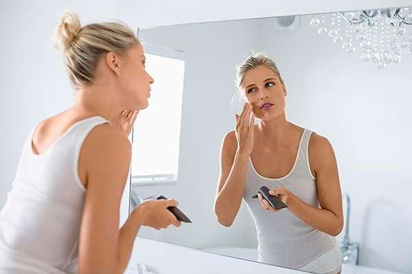 Как нанести тональную основу: 5 способов для разных типов кожи
