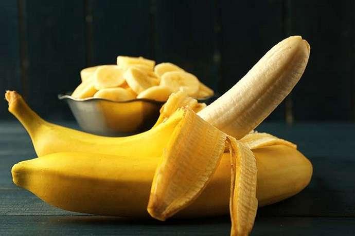 Банановая кожура, куркума и кокосовое масло: несколько простых способов сделать зубы белее